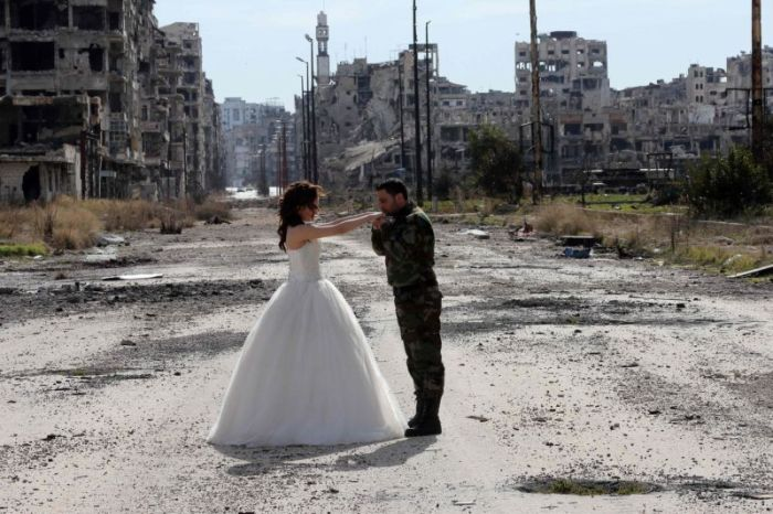 stunning-wedding-photos-taken-in-the-ruins-of-syria-12