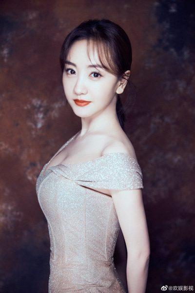 Huanyu Entertainment - 欢娱影视- นักแสดงจีน - นักแสดงชายจีน - นักแสดงหญิงจีน - ดาราชายจีน - ดาราหญิงจีน - ดาราจีน - คนดังจีน - บันเทิงจีน - ซุปตาร์จีน - ข่าวจีน - สกู๊ปจีน - พระเอกจีน - นางเอกจีน - พระเอกซีรี่ย์จีน - นางเอกซีรี่ย์จีน - นักแสดงจีนน้องใหม่ - นักแสดงจีนรุ่นใหม่ - ซ่งเวยหลง - Song Weilong - 宋威龙 - เนี่ยหย่วน - Nie Yuan - 聂远 - อู๋จิ่นเหยียน - Wu Jinyan - 吴谨言- สวีข่าย - Xu Kai - 许凯- ไป๋ลู่ - Bai Lu - 白鹿 - หยางหรง - 杨蓉 - Yang Rong - หมี่เร่อ - 米热 - Merxat Yalkun - Mi Re - จ้าวอี้ชิน - 赵弈钦- Zhao Yiqin - หงเหยา - 洪尧 - Hong Yao - จางอี้เจี๋ย - 张逸杰- Zhang Yijie - The Legend of Haolan - Story of Yanxi Palace - Untouchable Lovers – หงส์ขังรัก - Legend of Ban Shu - Above The Clouds - ลิขิตรักเมืองมายา