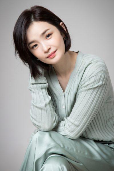 양경원, ยังคยองวอน, จอนมีโด, นักแสดงละครเวทีเกาหลี, นักแสดงเกาหลี, 사랑의 불시착, Crash Landing on You, ปักหมุดรักฉุกเฉิน, สหายพโยจีซู, Young Kyung Won, สหายพโยชีซู, Hospital Playlist, Wise Doctor Life, 슬기로운 의사생활, Jeon Mi Do, 전미도, หมอแชซงฮวา