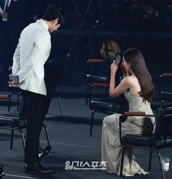56th Baeksang Arts Awards, Baeksang Arts Awards, Kingdom 2, 백상예술대상, 제 56회 백상예술대상 2020, 제 56회 백상예술대상, When the Camellia Blooms, Crash Landing on You, Hot Stove League, Hyena, Itaewon Class, กงฮโยจิน, คิมฮเยซู, คิมฮีแอ, ซนเยจิน, IU, คังฮานึล, นัมกุงมิน, พัคซอจุน, จูจีฮุน, ฮยอนบิน, ควอนนารา, คิมซอนยอง, ซอจีฮเย, ซนดัมบิ,ยอมฮเยราน, คิมยองมิน, A World of Married Couple, ยังคยองวอน, ยางคยองวอน, อีจองเซ, ยูแจมยอง, จอนซอกโฮ, คิมดามี, จอนมิโด, Hospital Playlist, จอนยอบิน, Be Melodramatic, จองจีโซ, The Cursed, ฮันโซฮี, คิมคังฮุน, อันโบฮยอน, อันฮโยซอบ, Dr. Romantic 2, องซองอู, At Eighteen, อีแจอุค, Extraordinary You