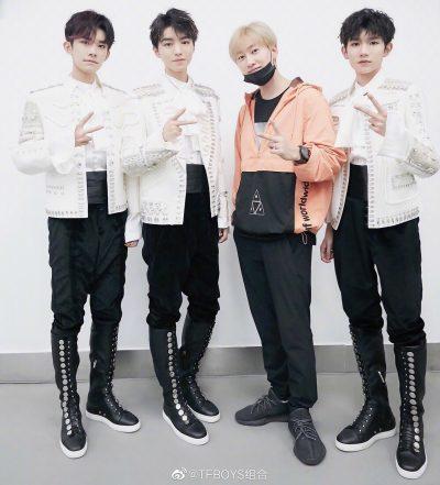 TFBOYS ครบรอบเดบิวต์ 7 ปี - TFBOYS - The Fighting Boys - 加油男孩-หวังจวิ้นข่าย -王俊凯 - Karry Wang - Wang Junkai - 王源 - Roy Wang - Wang Yuan - หวังหยวน-อี้หยางเชียนสี่ - 易烊千玺- Jackson Yee - Yi Yangqianxi