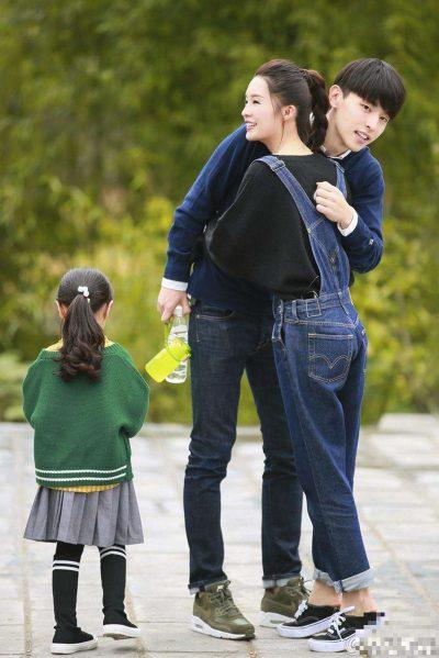 Dad Where Are We Going ซีซั่น 5 - เติ้งหลุน - หลี่ชิ่น - Deng Lun - Allen Deng - Li Qin - 邓伦 - 李沁
