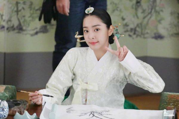 ดาราเกาหลี, นางรองเกาหลี, นางเอกเกาหลี, นักแสดงเกาหลี, Mr. Queen, ซอลอินอา, 설인아, Seol In Ah, 철인왕후, Seol In-A, นางร้ายเกาหลี, กองถ่ายทำ Mr.Queen, Mr.Queen, สนมเอกอึย, มเหสีแห่ง Mr.Queen, Mr.Queen, ชินฮเยซอน, นักแสดงเกาหลี, ชอลจง, คิมโซยง, คิมจองฮยอน, Shin Hye Sun, 철인왕후, ซีรี่ย์เกาหลีย้อนยุค, ซีรี่ย์เกาหลี, ซีรี่ส์เกาหลีย้อนยุค, ซีรี่ส์เกาหลี, ซีรีส์เกาหลีย้อนยุค, ซีรีส์เกาหลี, ชาซองฮวา, แชซออึน, นาอินอู, จางบงฮวาน, คิมโซบง, คิมอินควอน, แพจงอ๊ก, ชเวซังกุง, ฮงยอน, คิมบยองอิน, โชฮวาจิน, โจฮวาจิน, พ่อครัวหลวง, พระพันปีหลวง, เจ้าชายยางพยองกุน, ยูมินกยู, พระพันปี, โชยอนฮี, ฮงบยอลกัม, อีแจวอน, คิมฮวาน, ยูยองแจ, คิมมุนกึน, จอนแพซู, คิมชเวกึน, คิมแทอู, สนมเอกอึย, ชอลจง Mr.Queen, คิมโซยง Mr.Queen, จางบงฮวาน Mr.Queen, คิมโซบง Mr.Queen, ชเวซังกุง Mr.Queen, ฮงยอน Mr.Queen, คิมบยองอิน Mr.Queen, โชฮวาจิน Mr.Queen, โจฮวาจิน Mr.Queen, พ่อครัวหลวง Mr.Queen, พระพันปีหลวง Mr.Queen, เจ้าชายยางพยองกุน Mr.Queen, พระพันปี Mr.Queen, ฮงบยอลกัม Mr.Queen, คิมฮวาน Mr.Queen, คิมมุนกึน Mr.Queen, คิมชเวกึน Mr.Queen, สนมเอกอึย Mr.Queen, Kim Jung Hyun, Cha Chung Hwa, Chae Seo Eun, Yoo Min Kyu, Lee Jae Won, Bae Jong Ok, Kim Tae Woo , Na In Woo Jeon Bae Soo, Yoo Young Jae, แบจงอ๊ก,Seol In Ah, Jo Yeon Hee, โจยอนฮี