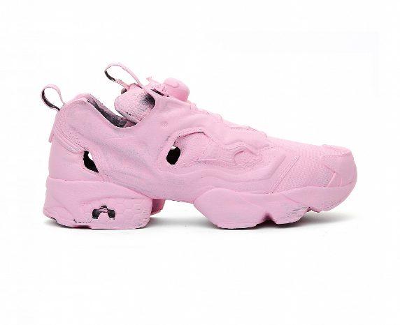รองเท้าสนีกเกอร์สีชมพู