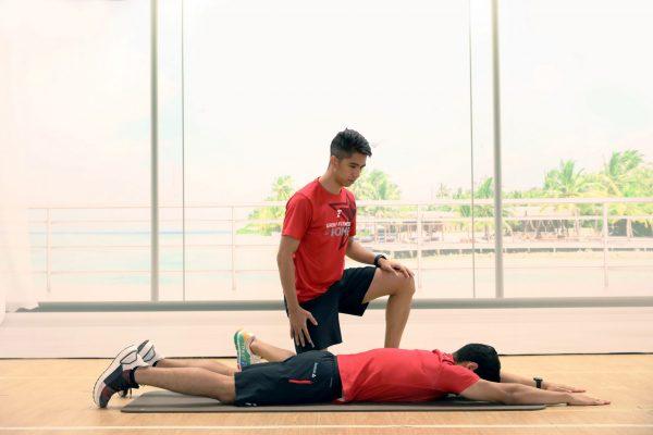 Superman - บริหารกล้ามเนื้อหลังส่วนล่าง - Fitness First