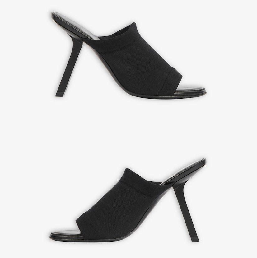 รองเท้าส้นสูงมีดีไซน์