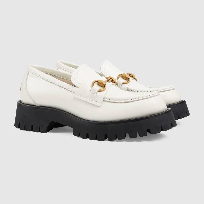 รองเท้าหนังทรงผู้ชาย