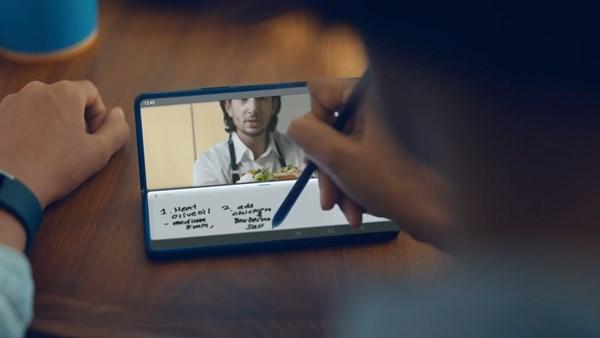 Samsung Z Fold3_Flex Mode with S Pen.